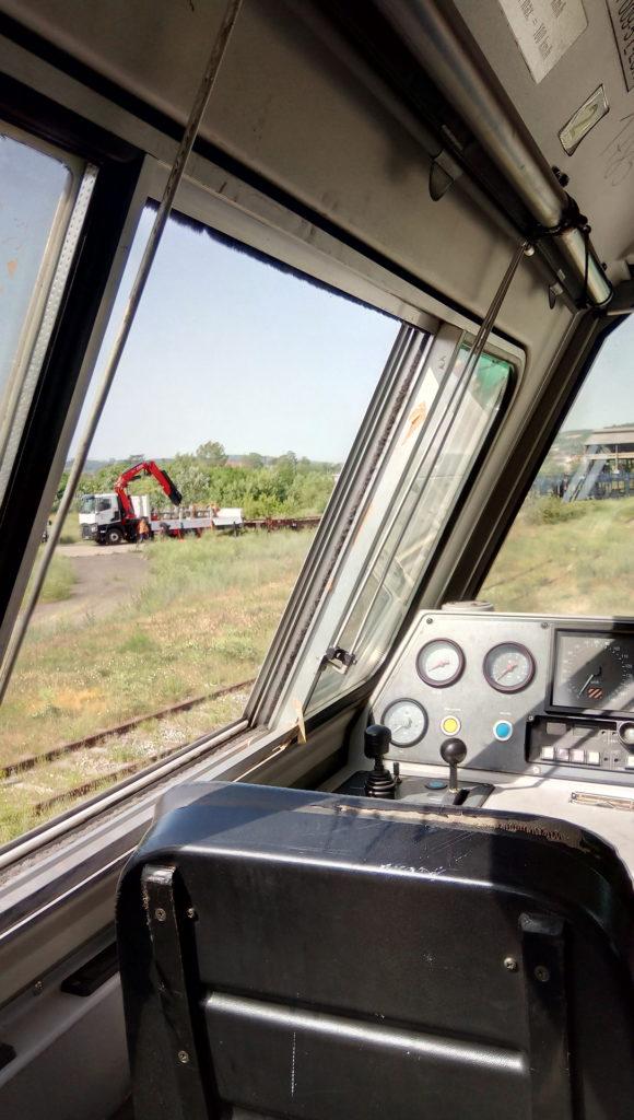 Remplacement des vitres sur une locomotive