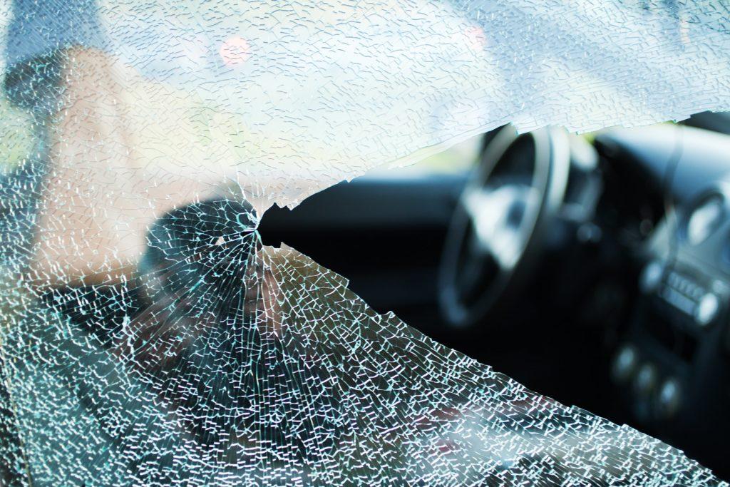 briser la vitre automobile