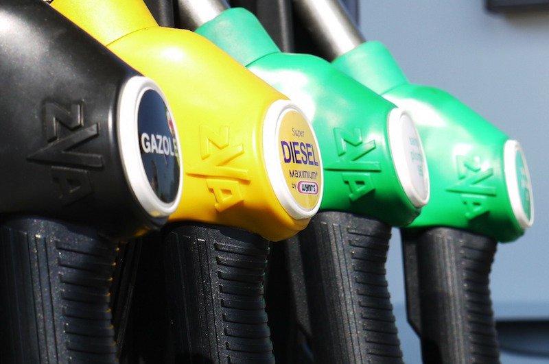 Des pompes gazole et diesel à la station-service