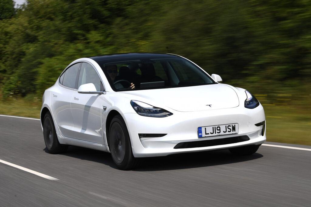 Tesla Model 3, un des véhicules électriques les plus populaires en France