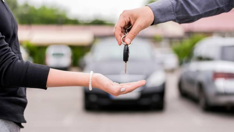 Une vente de voiture d'occasion de particulier à particulier