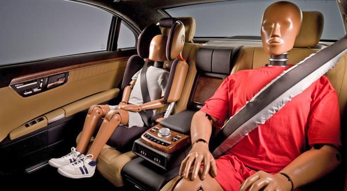 Technologies - nouvel airbag placé au niveau de la ceinture de sécurité